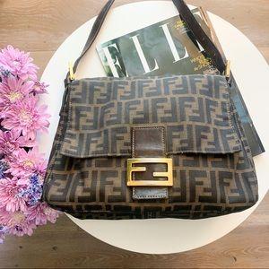 🌸 Vintage Fendi Mamma Baguette Bag 🌸